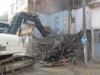 Bursa'da metruk bina temizliği