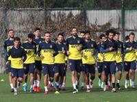Fenerbahçe'de Yeni Malatyaspor maçı hazırlıkları sürüyor