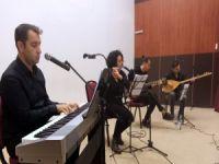 Bursalı öğretmenlere müzik dinletisi