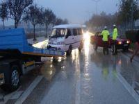 Bursa'da yağmurla gelen kaza!