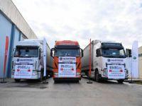 Arnavutluk'a 3 yardım TIR'ı