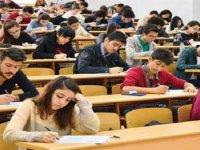 Üniversite mezunu öğrenciler umutsuz ve kaygılı