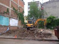 Metruk binalar yıkıldı