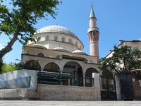 Camide mahsur kaldı