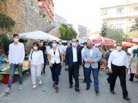 Türkyılmaz'dan cuma pazarı ziyareti