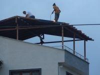 7.katın çatısında ölümle dans!