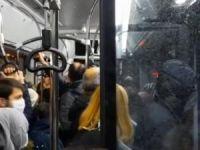 Belediye otobüsü tıklım tıklım