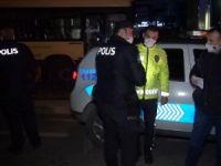 Polise bıçak çekti