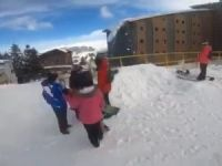 Kayakçılar son anda kurtuldu!