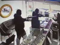 Bursa'da soygun anı kamerada