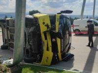 Bursa'da midibüs devrildi: Yaralılar var!