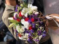 Çiçek hediyeleşmede önemli bir araç