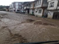 Bursa'nın ilçelerini sel vurdu