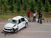 Otoyolda feci kaza: 1 ölü 2 yaralı