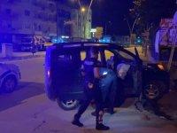 Polisten kaçarken kaza yaptılar