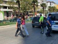 Hırsızlar polisi yaraladı