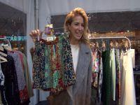 Kıyafetlerini sattı