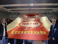 Bursa'da 'Hayır' pankartı indirildi