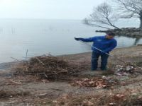 İznik Gölü kıyısına kış bakımı