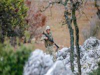 3 PKK'lı öldürüldü, 3 asker yaralı