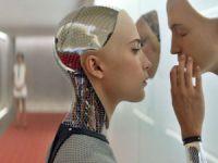Robot insanlar mı geliyor?