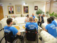 Başkan Edebali'ye engelli şampiyon basketçilerden ziyaret!