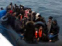 Göçmenleri taşıyan bot battı