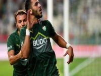Bursaspor 3 oyuncudan vazgeçmedi