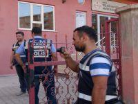Polislerden sonra kurumlar baskına geldi